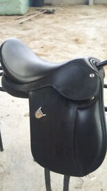 Stunning 14in Bates adjustable saddle - as new