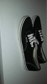 Vans shoes trainers uk size 6 black unisex not worn many times