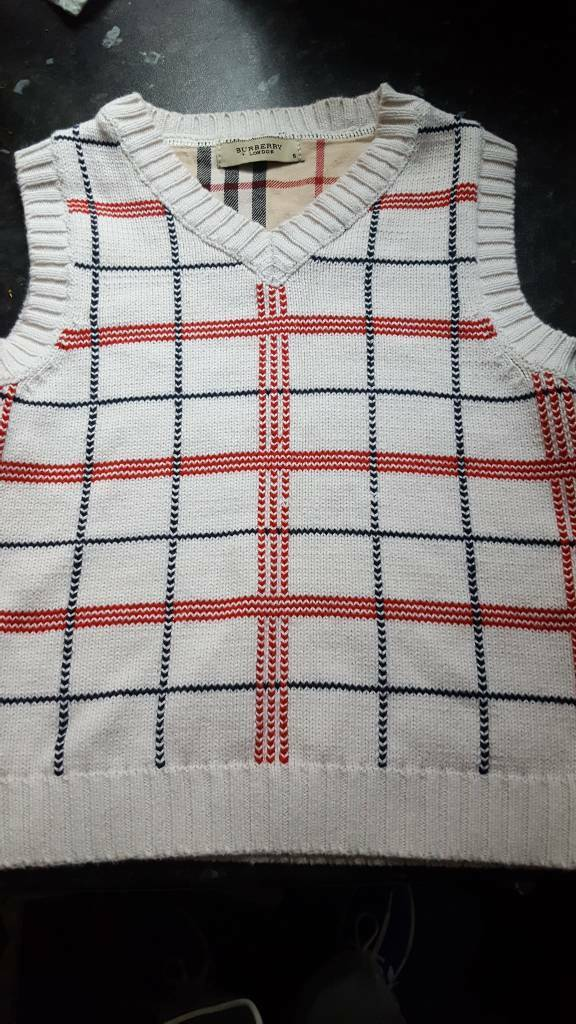 Burberry boys tank top size small
