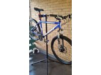 Specialized rockhopper mountain bike high spec!! WE CAN HOLD TILL XMAS!!