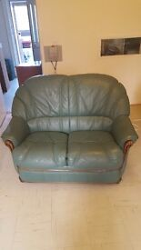 2 seater leather sofa with 2 chairs very good condition €40collect from Sudbury