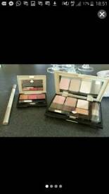 Raphaie make up set