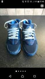 Nike huraches size 4.5