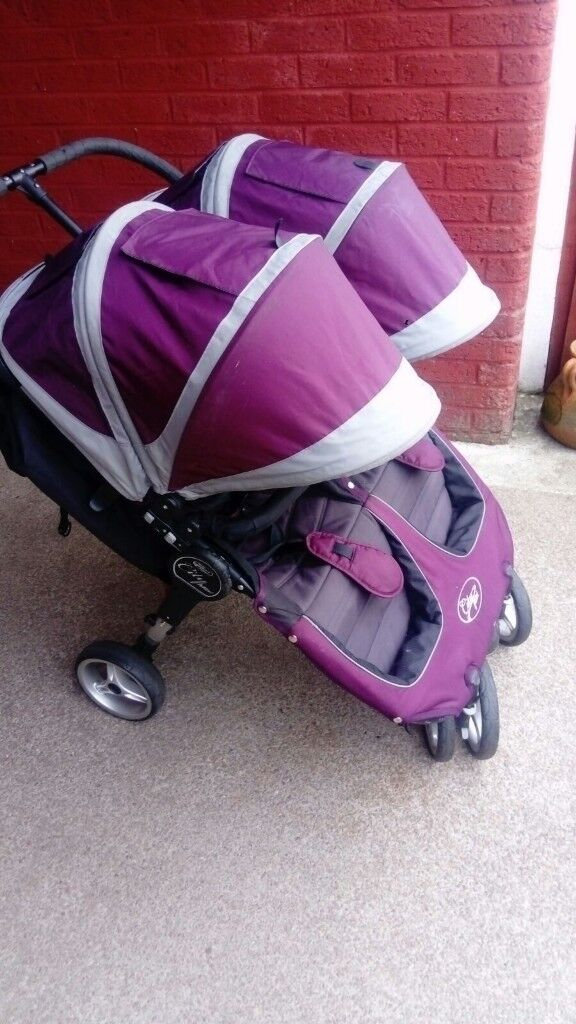 Mini city jogger double buggy. Immaculate comes with cosy toes