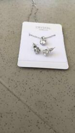 Cubic zirconia necklace and studs x3 comes in a lovely draw string bag