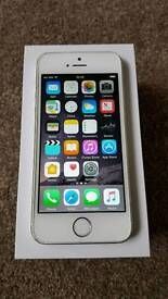 Apple iPhone 4s. 16gb on O2. Boxed