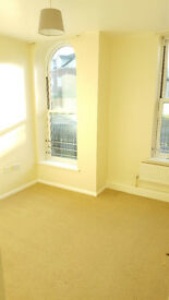 2 Bedroom Ground Floor Flat - Newly Painted