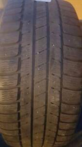 4 PNEUS HIVER - MICHELIN 265 55 19 - 4 WINTER TIRES