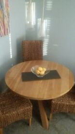 Solid oak round dinning table with 4 chairs