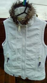 Bench hooded,lined girls body warmer