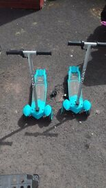 2x electric scooters £30 each