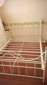 White Metal Kingsize Bed Frame