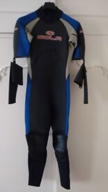 SOLA one piece wetsuit with detachable sleeves size MS (never used).