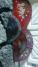 3 Decorative fans