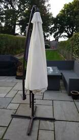 Sun parasol wind out with stand