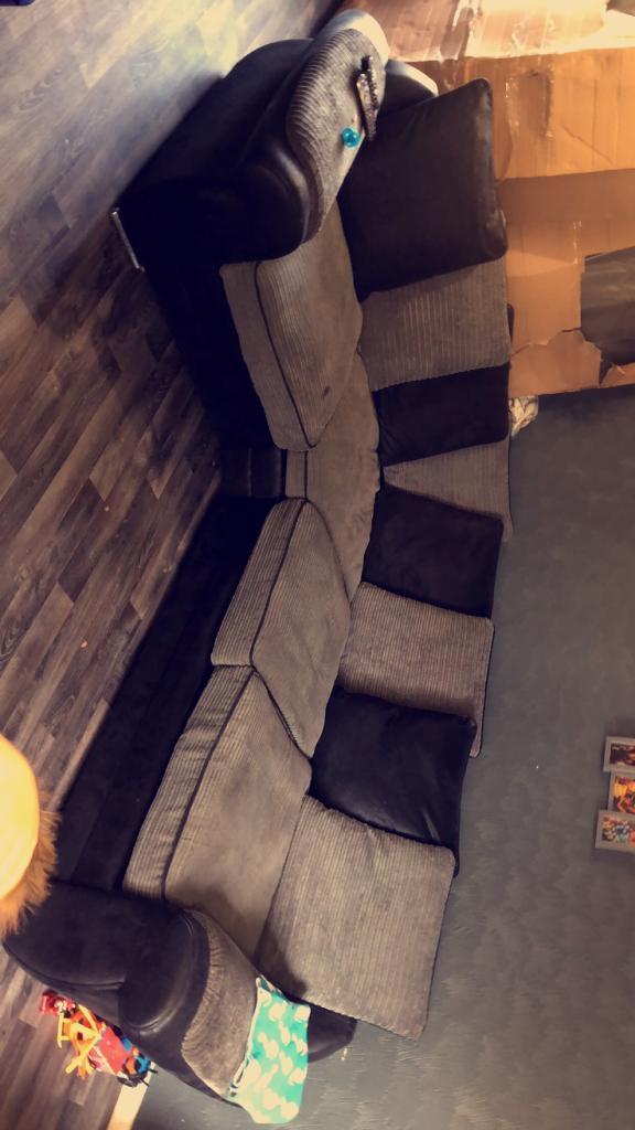 Corner Sofa For Sale In Seacroft West Yorkshire Gumtree