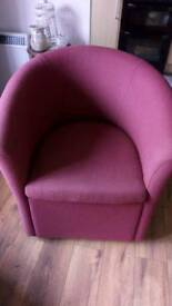 Good condition tub chair