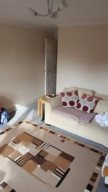 2 Bed Flat for 2-3 Bed House