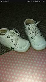 KICKERS TODDLER SIZE 5