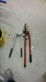 2x pipe benders