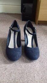 Mary-Jane Court shoes- used UK size 6