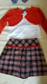 Girls 2 pc outfit - Skirt and top - 18-24mths