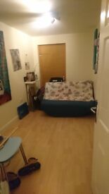 2 Bed Palladian Circus Flat to Let, £945 p/month Greenhithe, Kent