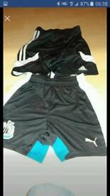 Football shorts 2 PAIRS addidas / Newcastle United size YM140 aged 10 to 12 years