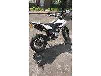 Wr125x motorcycle