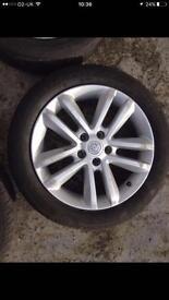 4 Vauxhall vectra 17 inch alloys.