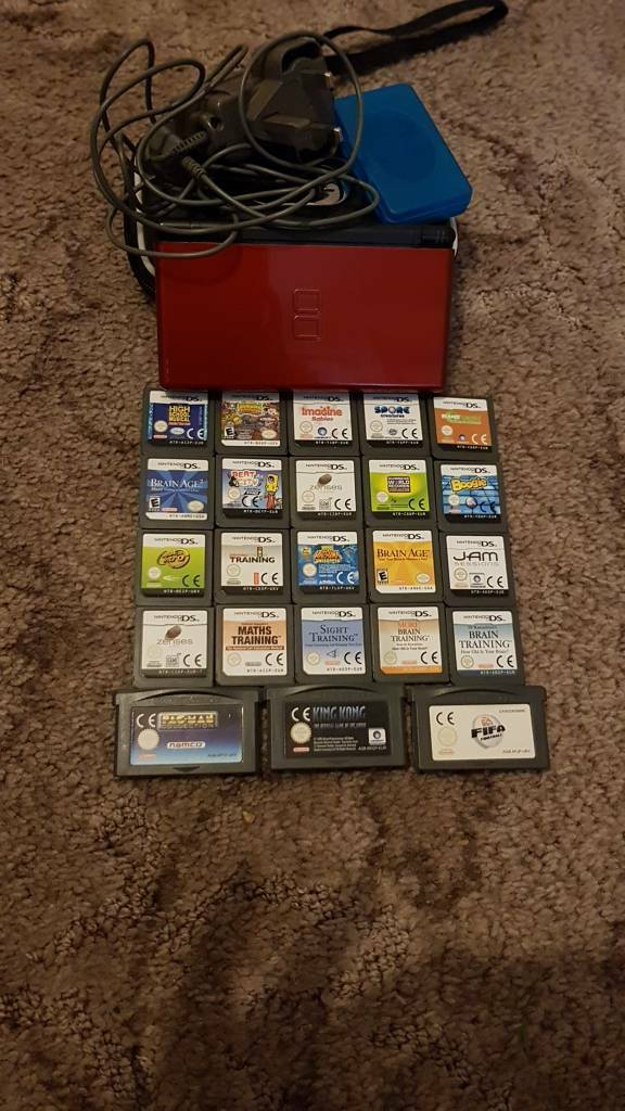 Red Nintendo ds plus 23 games