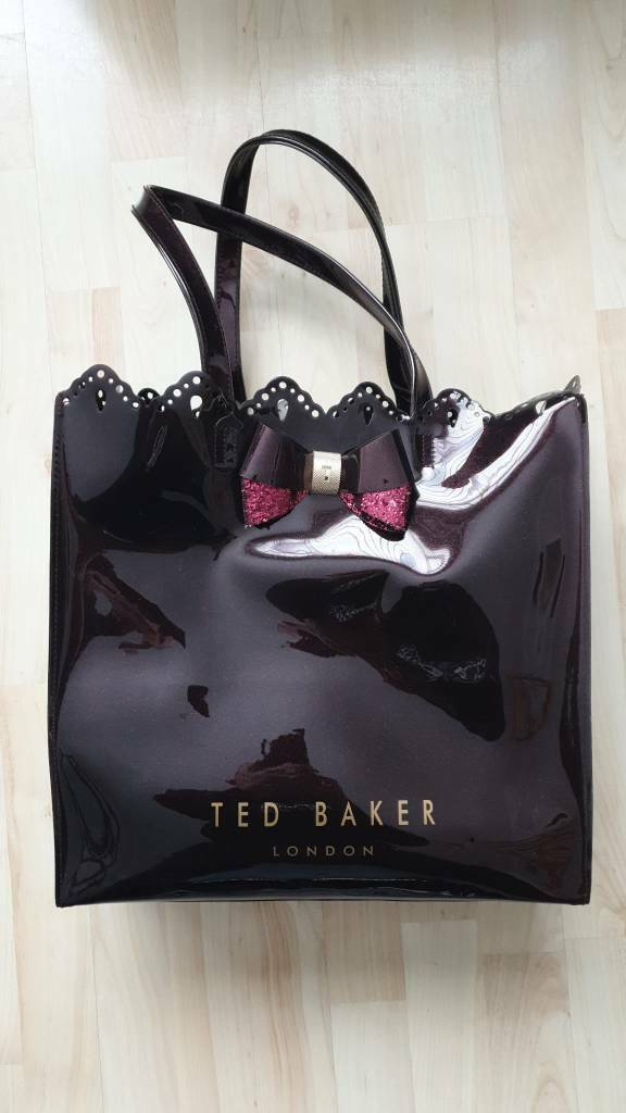 11993a8a47d Ted Baker Women's Belacon Scalloped Micro Bow Detail Large Icon Tote Bag In  Brick Red.