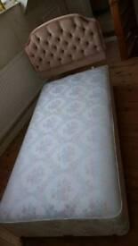 Single divan bed base and headboard