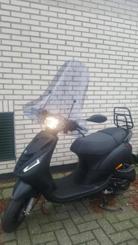Piaggio zip euro4 full options nieuw 2099! rijklaar all inn