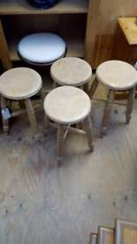 4x bar/kitchen stools