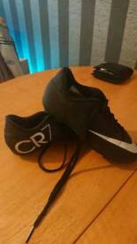 Kids nike CR7 football boots