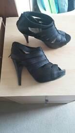 Heeled shoes size 5