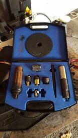 Locking wheel breaking kit