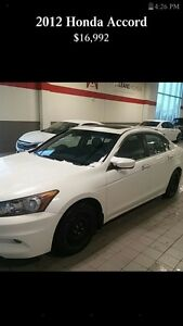 2012 Honda Accord LEATHER HEATED SEATS, BACK UP CAMERA AND MORE!