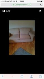 cream sofa and chairs 3+1+1