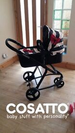 Cosatto Giggle Go Lightly 3in1 Travel System. Pram/Carry Cot/CarSeat/Rain covers