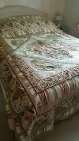 Patchwork double bedspread cotton roses floral