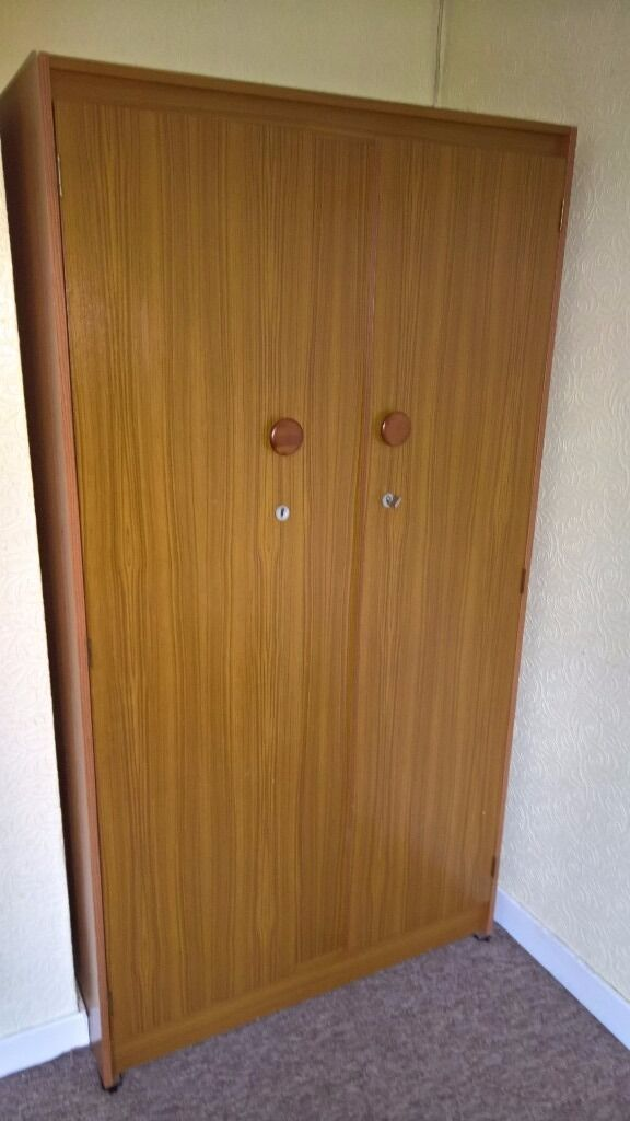 Gents Wardrobein Musselburgh, East LothianGumtree - GENTS WARDROBE Hi I have a Gents wardrobe for sale, with hanging space and shelves, very minor marks. I can deliver for the cost of fuel and time, thanks for looking