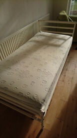 Highgrove Aloe Vera single mattress - excellent condition