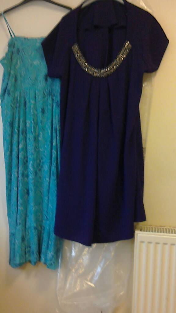 Dresses sizes 18 & 22 two for £10. 01159785741