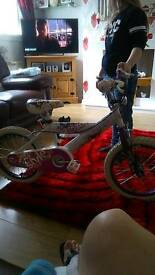 Girls bike age 7/8 hardly been used