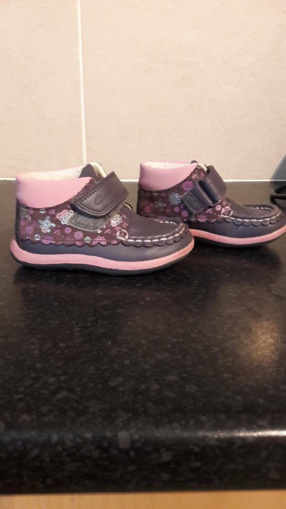 clarks 5f purple and pink leather shoes