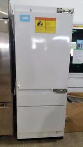 Réfrigérateur encastré 30'', Panneaux personnalisables