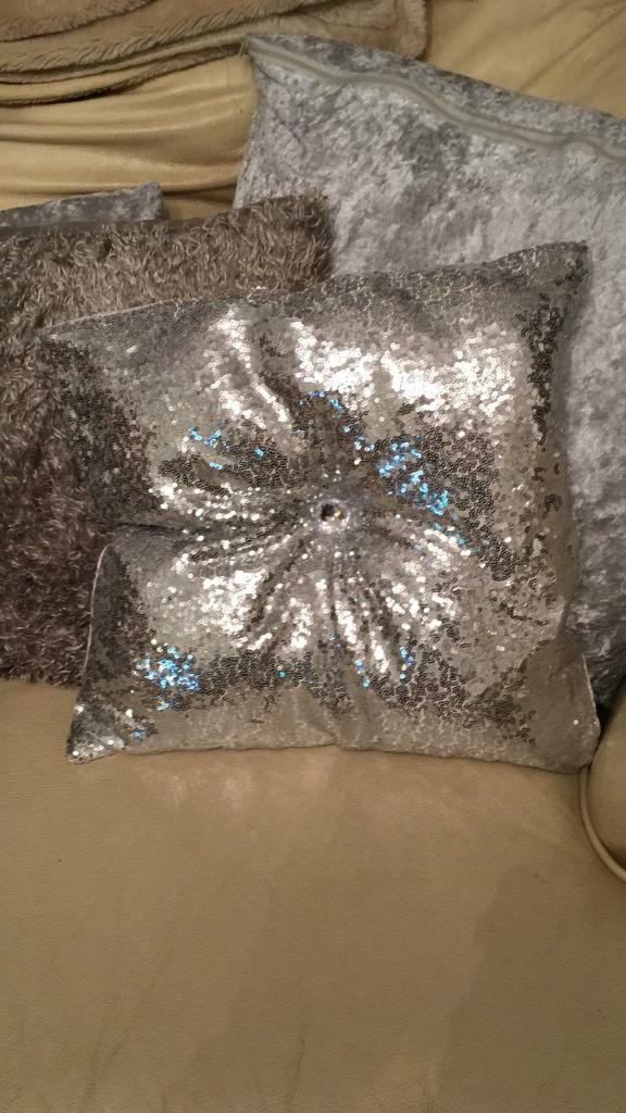 Sequin diamont'e Cushion