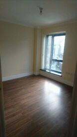 *LUXURIOUS 2 BEDROOM FIRST FLOOR FLAT AVAILABLE RIGHT NOW IN MANOR PARK**